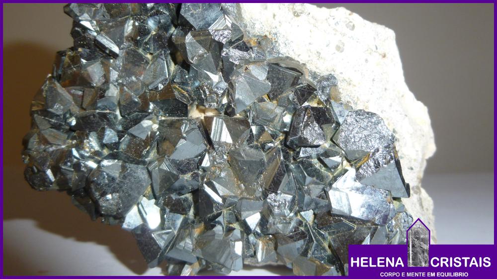 8dab9c09cae Magnetita (Magnetite) e seus significados e propriedades
