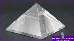 Pirâmides e seus significados e propriedades